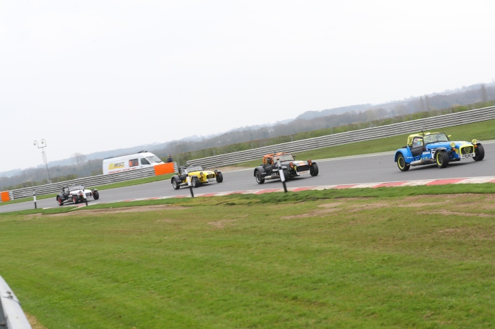Snetterton-roadsport-race1-pic5
