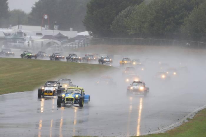 Castle Combe Race1