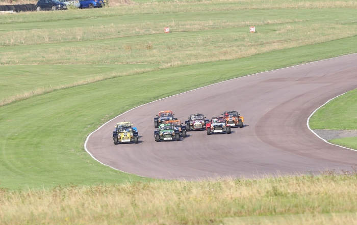 Thruxton_race1_4