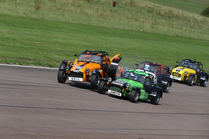 Thruxton_race2_0