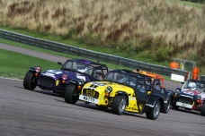 Thruxton_race2_3