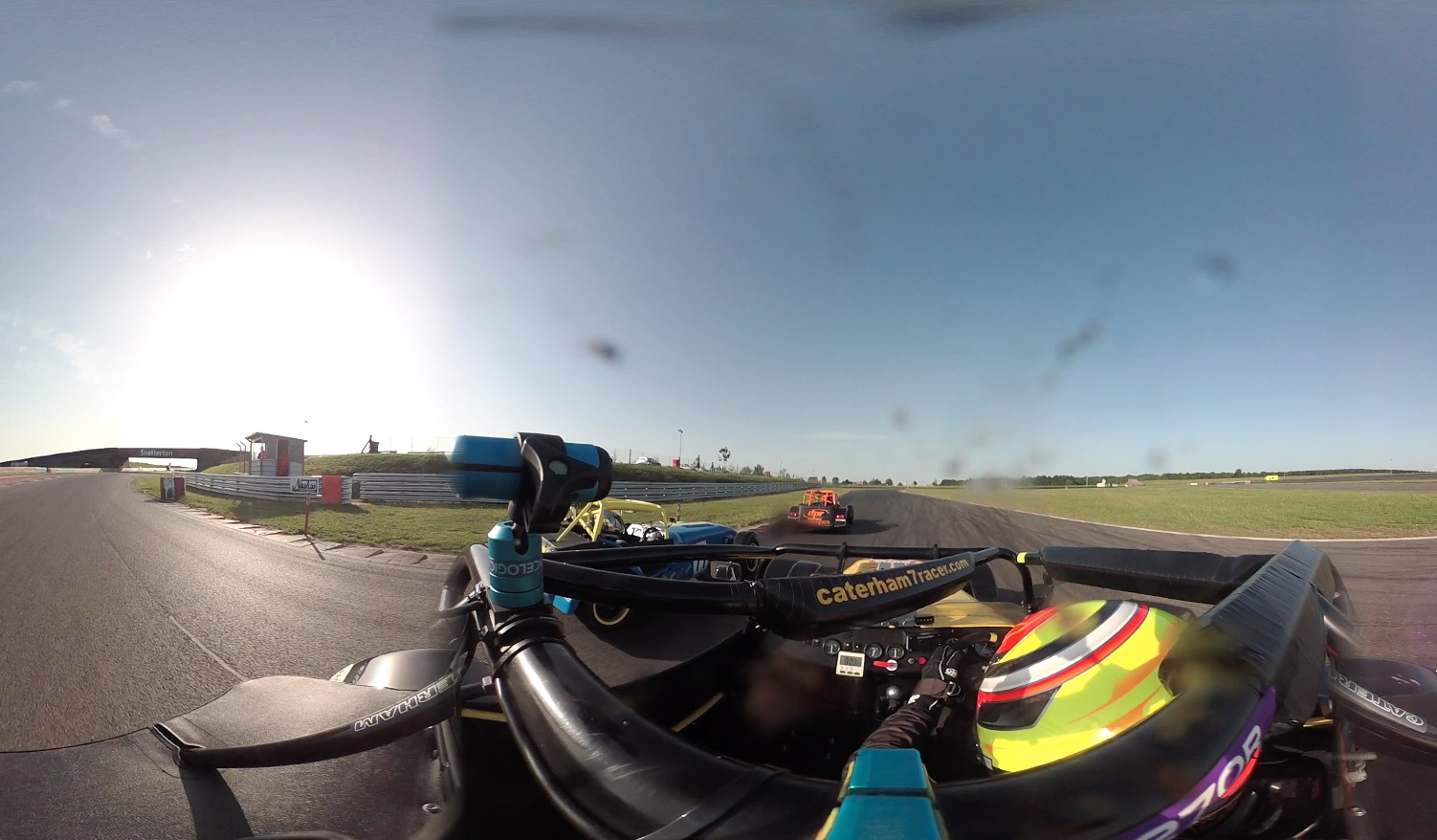 Snetterton Caterham 270R race 1 side by side