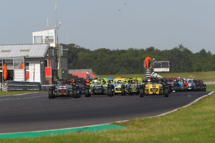 Snetterton Caterham 270R Race 1 start